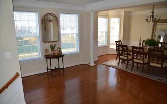 Avere una casa pulita rende più felici! Contatta un professionista!